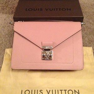 Louis Vuitton Biface Magnolia